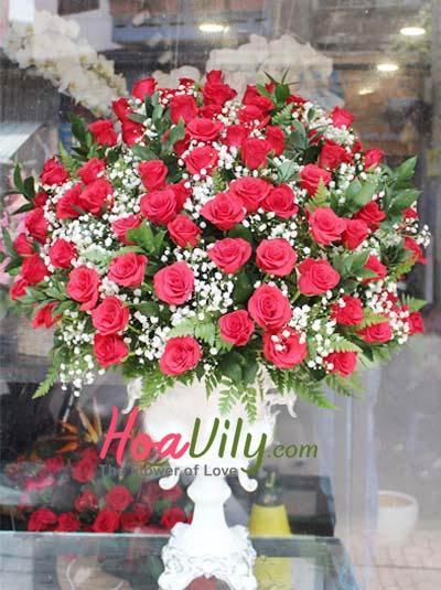 Bình hoa hồng cao cấp chúc mừng