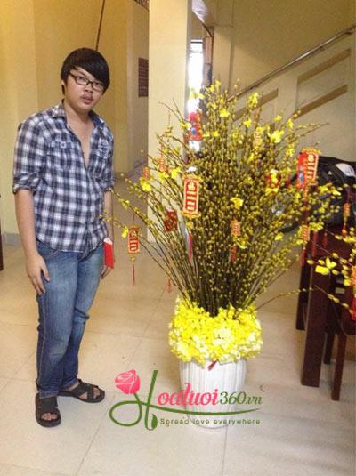 Bình hoa nụ tầm xuân - Vinh Hoa Phú Quý