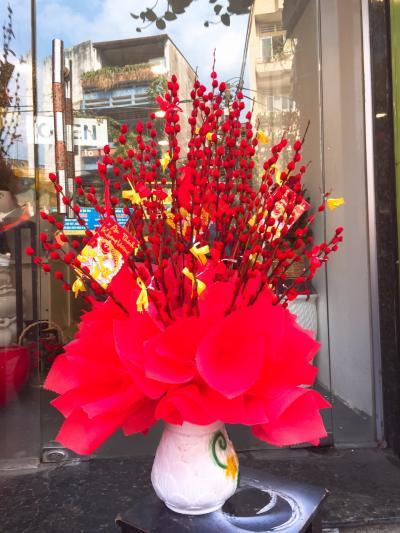Bình hoa tầm xuân - Tài lộc gõ cửa