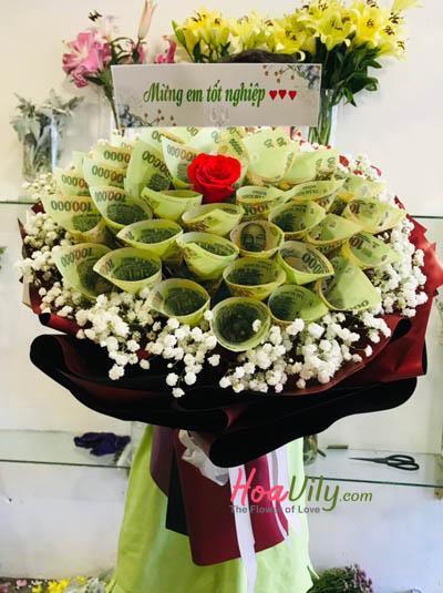 Bó hoa bằng tiền- Hạnh phúc vỡ òa