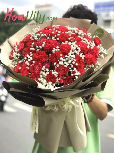 Bó hoa cẩm chướng đỏ đẹp mê hồn