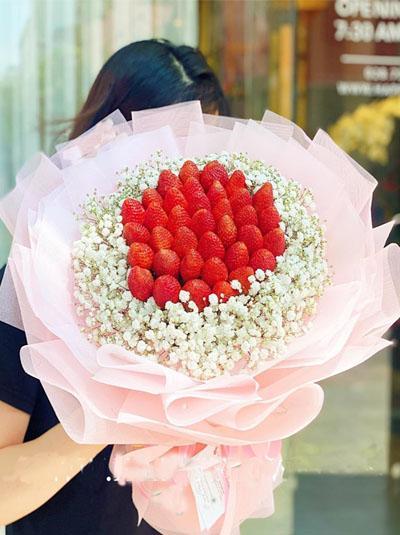 Bó hoa dâu tây - Sweet girl