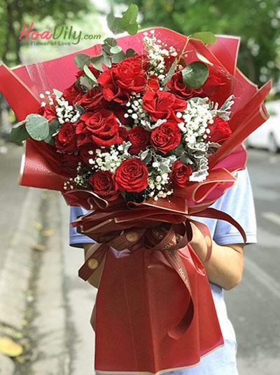 Bó hoa hồng đỏ - Love is red