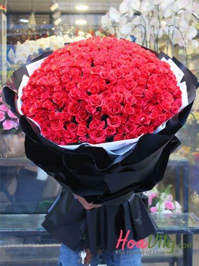 Bó hoa hồng đỏ siêu to khủng tặng người yêu