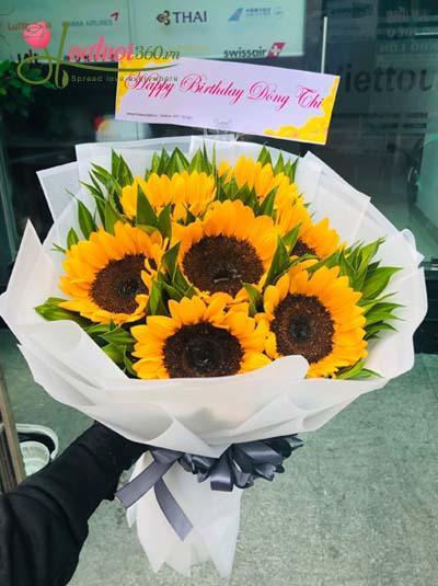 Bó hoa hướng dương- Nụ cười rạng rỡ