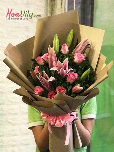 Bó hoa ly hồng kết hợp hồng dâu