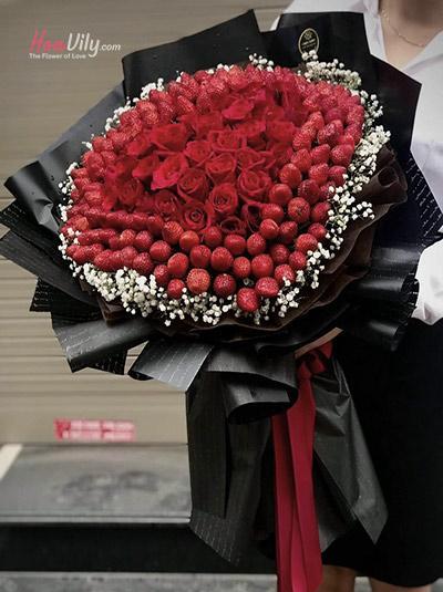 Bó hoa trái cây - Sắc đỏ cho em