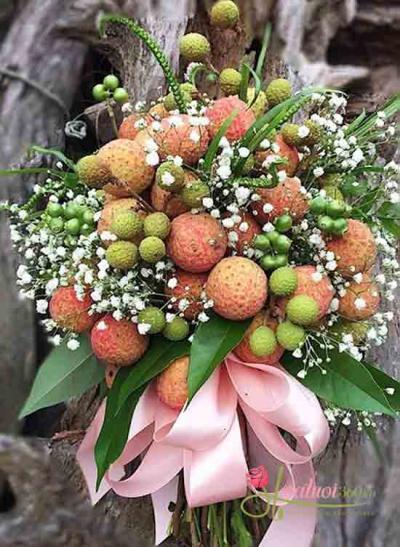 Bó hoa trái cây vải thiều