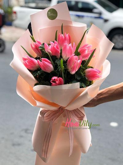 Bó hoa tulip xinh xắn