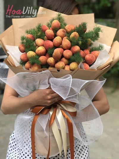 Bó hoa vải thiều - Trái thơm tình yêu