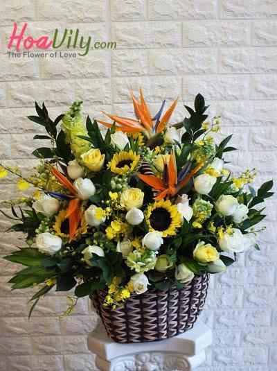 Giỏ hoa chúc mừng- Khu vườn bí mật