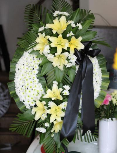 Vòng hoa chia buồn bày tỏ tình cảm và thay lời muốn nói những tâm tư