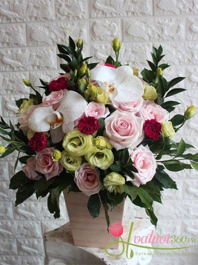 Hoa hộp gỗ- Nụ cười