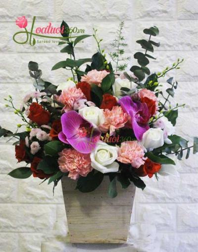 Hoa hộp gỗ- Trang nhã