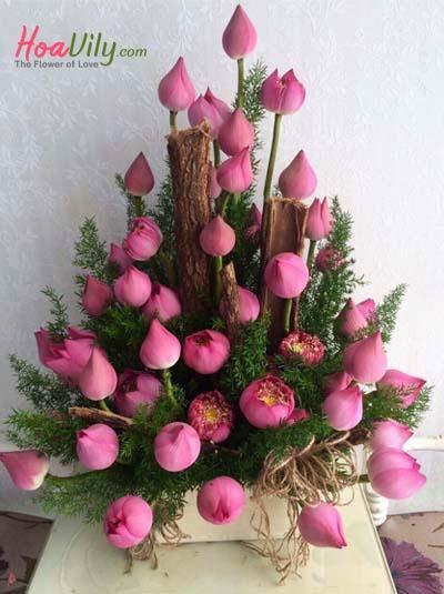 Lẵng hoa sen chúc mừng-  Sự tôn kính