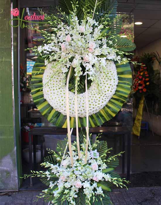 Cửa hàng vòng hoa chia buồn quận Tân Phú