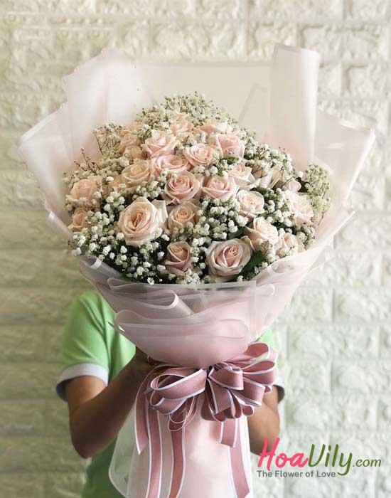 Hoa bó hồng dài với tone hồng tao nhã nhẹ nhàng
