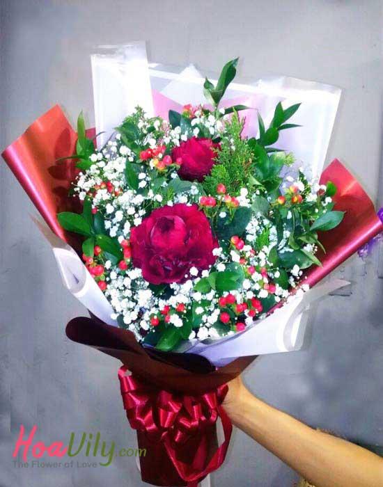 Bó hoa mẫu đơn đỏ thắm