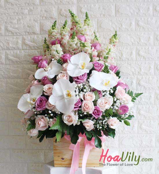Món quà ý nghĩa nhân ngày đặc biệt bằng hoa cắm hộp gỗ