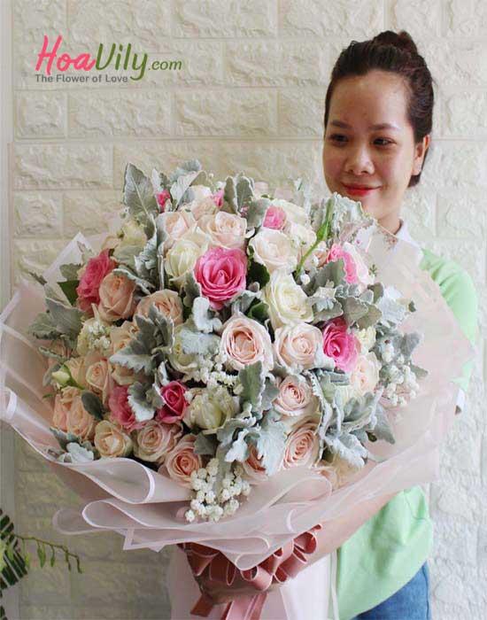 Hoa hồng trắng chúc mừng giáng sinh