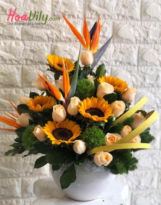 hoa cắm bình hội nghị