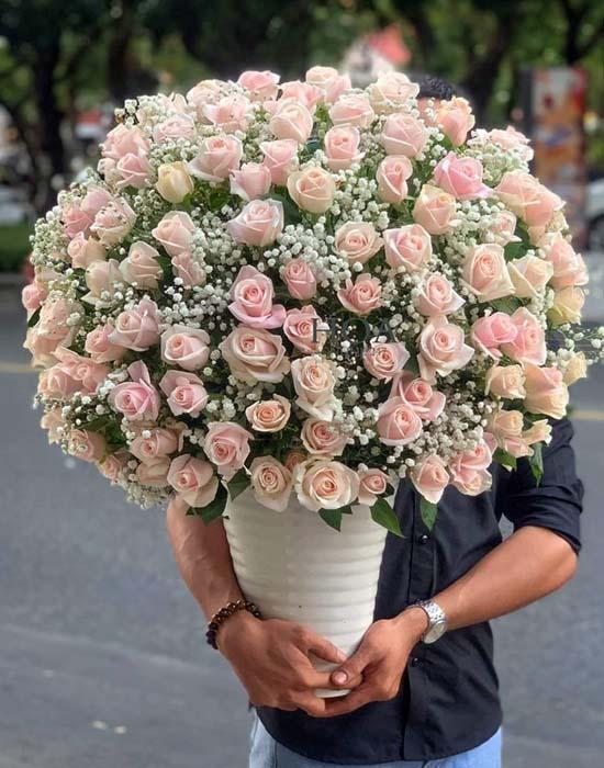 Bó hoa tặng mẹ chúc mừng ngày cưới