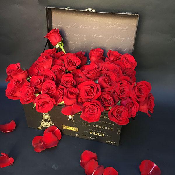 Hộp hoa hồng sang trọng
