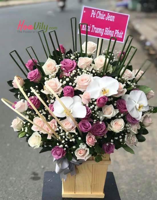 Hoa cắm hộp gỗ chúc mừng khai trương từ hoa hồng, hoa lan