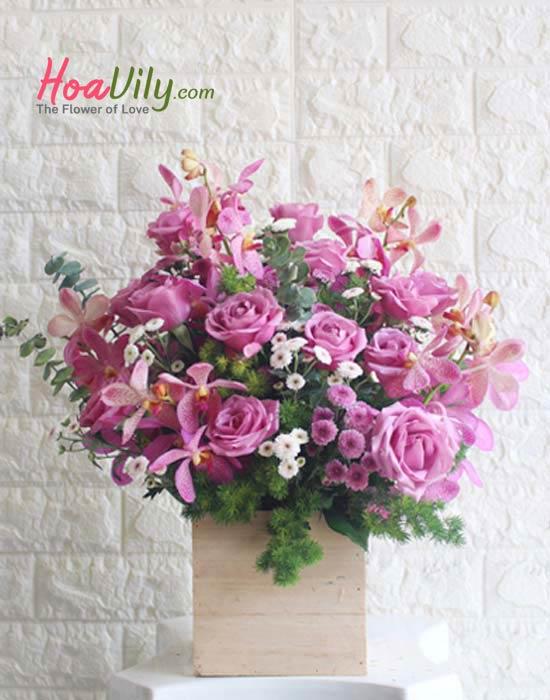 hộp hoa sang trọng tặng thầy thuốc