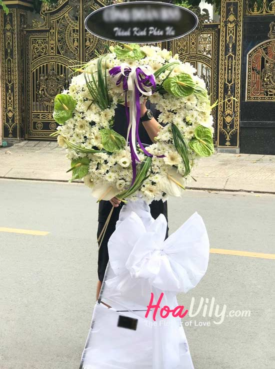 Vòng hoa tang Bến cõi xưa gửi lời chia buồn tới gia quyến
