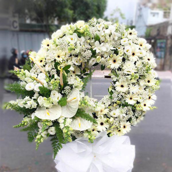 Vòng hoa chia buồn Hàn Quốc cảm kích tình thương người đã khuất