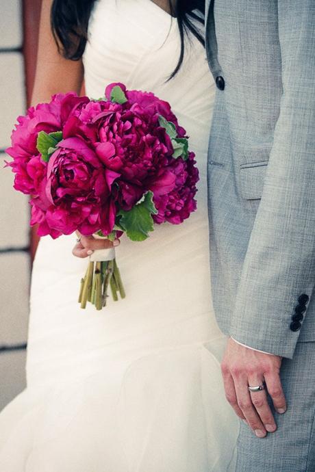 Bông cưới cầm tay hoa mẫu đơn